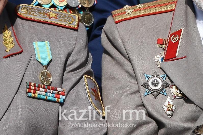 Сколько получают ежемесячно ветераны ВОВ в Казахстане
