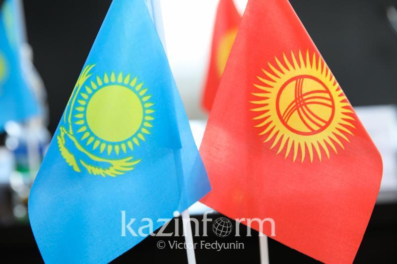Президент РК принял решение оказать гуманитарную помощь Кыргызстану