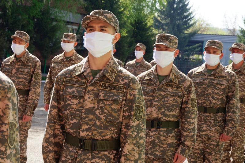 Shyǵys Qazaqstanda 1500 adam kóktemgi áskerı qyzmetke shaqyryldy
