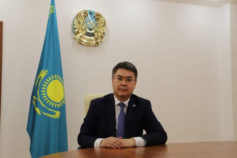 Глава Минтруда поздравил казахстанцев с Днем защитника Отечества и 76-летием Победы в ВОВ
