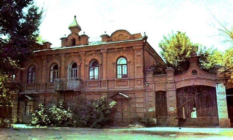 Краеведы Семея обеспокоены судьбой  особняка XIX века