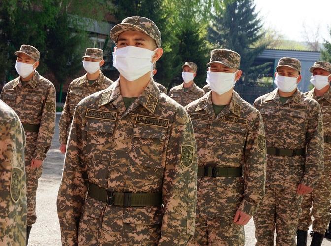1500 бойцов весеннего призыва проводили на службу в Восточном Казахстане
