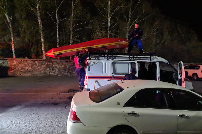 Троих мужчин спасли на водоеме в Усть-Каменогорске