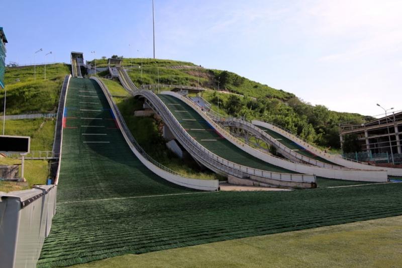 Оползнеопасный склон возле комплекса лыжных трамплинов укрепят в Алматы