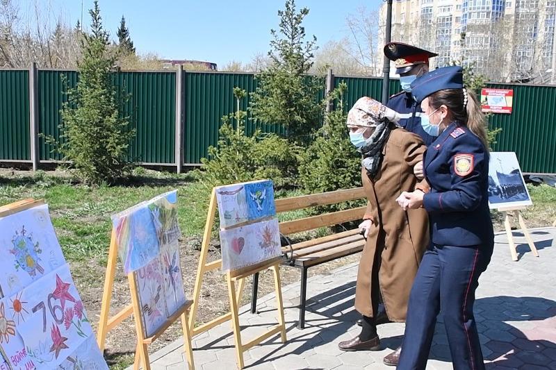 Выставка детских рисунков ко Дню Победы прошла в Акмолинской области