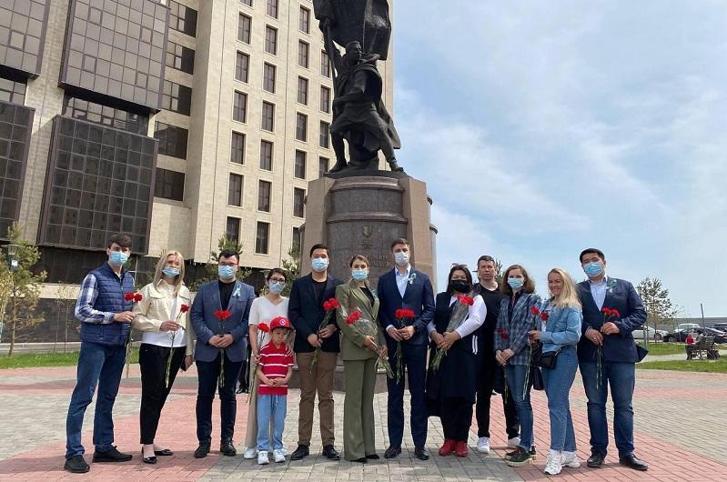 Акцию в память ветеранов ВОВ провели молодежные организации АНК в столице