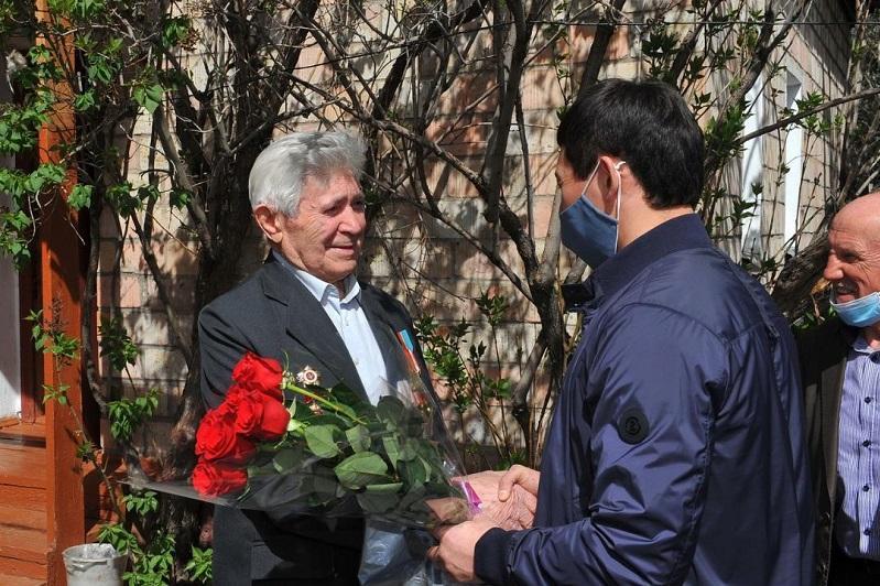 Шахтеров-фронтовиков поздравили в Карагандинской области