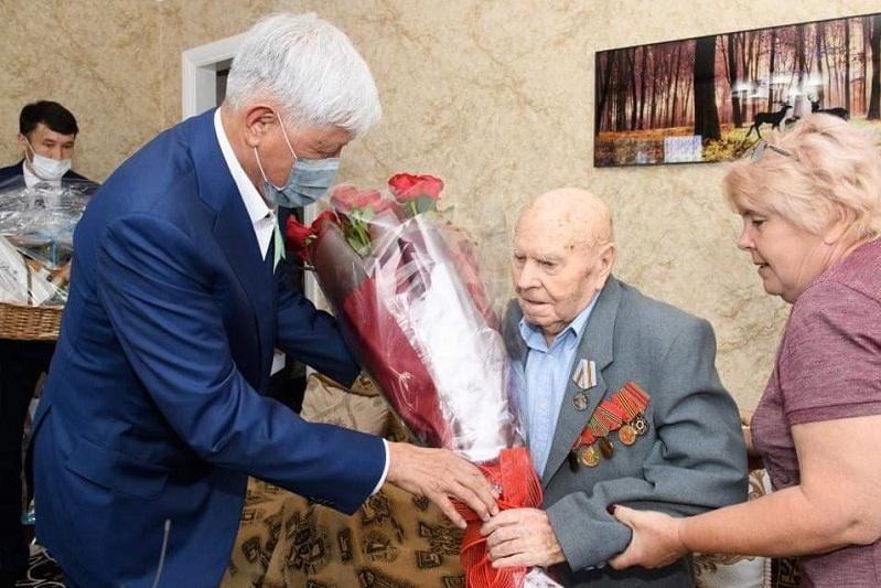 Almaty oblysynda Jeńis kúnine oraı 9 myńǵa jýyq adamǵa materıaldyq kómek kórsetildi