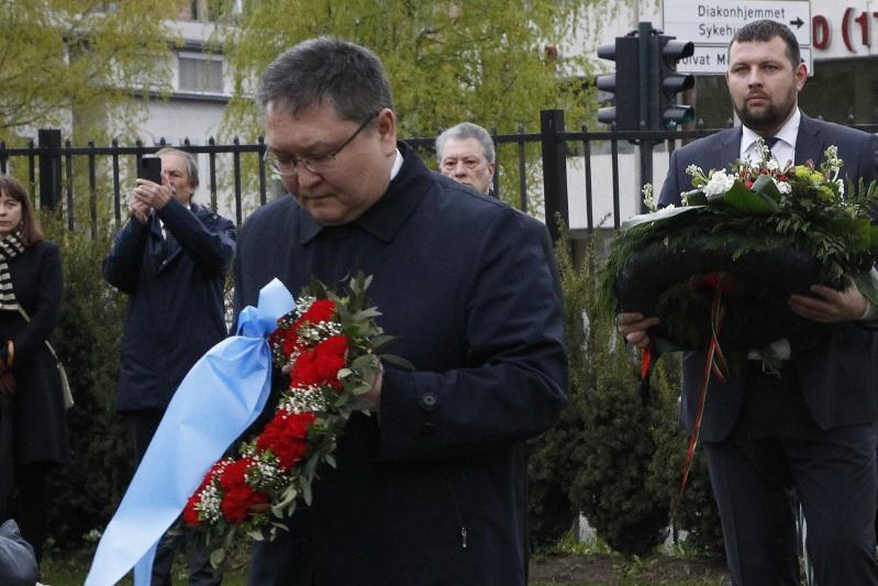 Казахстанские дипломаты почтили память солдат, погибших в Норвегии в ходе Второй мировой войны