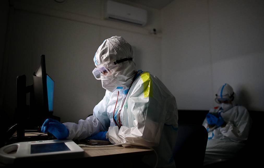 Global COVID-19 cases, deaths reach plateau - WHO