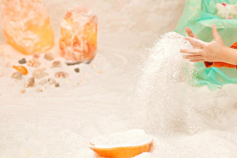 Дети из малообеспеченных семей бесплатно посещают соляную пещеру в Балхаше