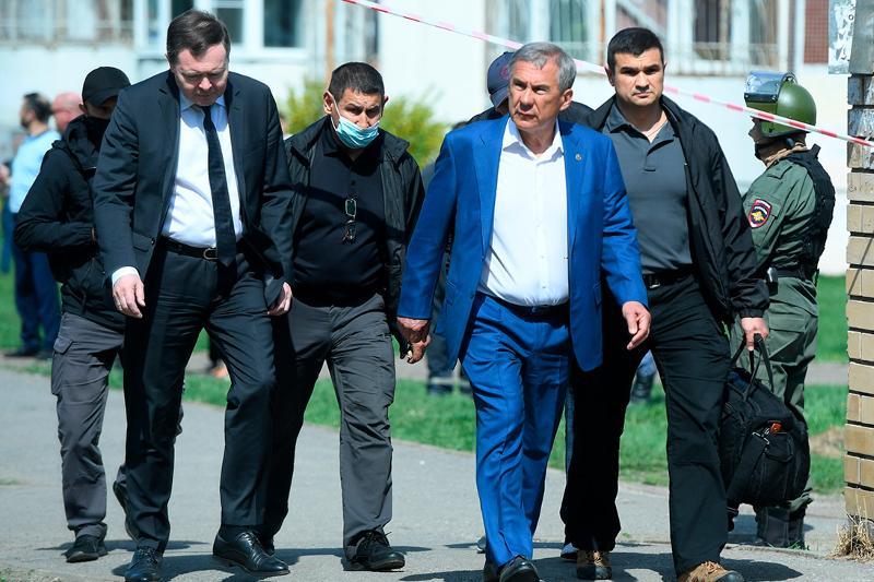 Стрельба в казанской школе: Президент Татарстана прибыл на место трагедии