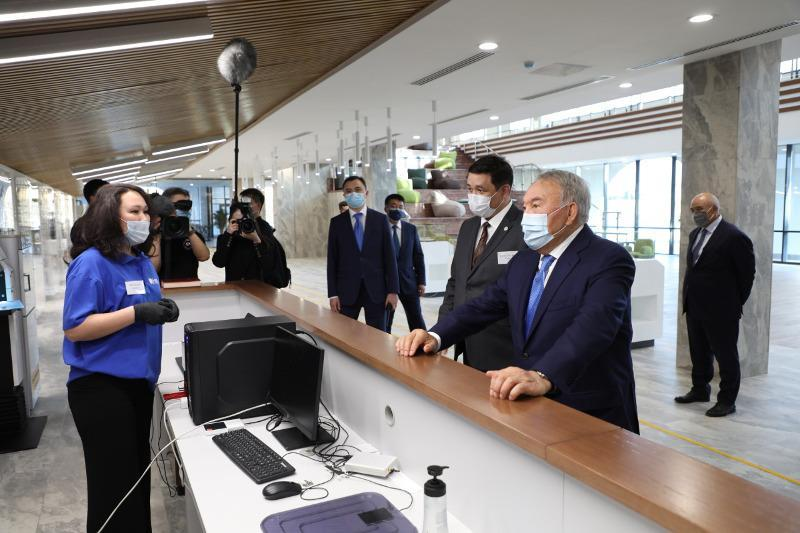Elbasy visits 'Farab' scientific and universal library