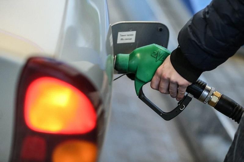 Сколько бензина произведено в Казахстане в 2021 году