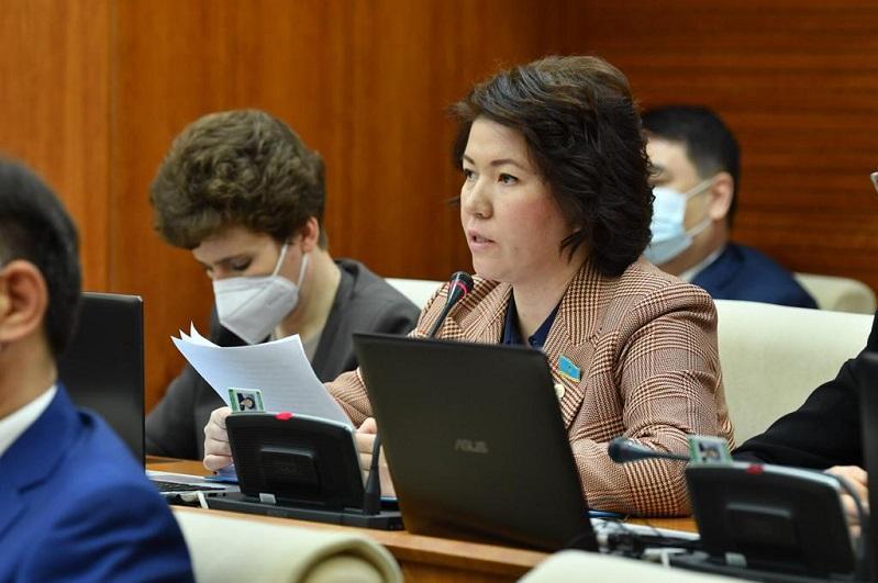 В Казахстане предлагают отменить итоговую аттестацию для 9 - 11 классов
