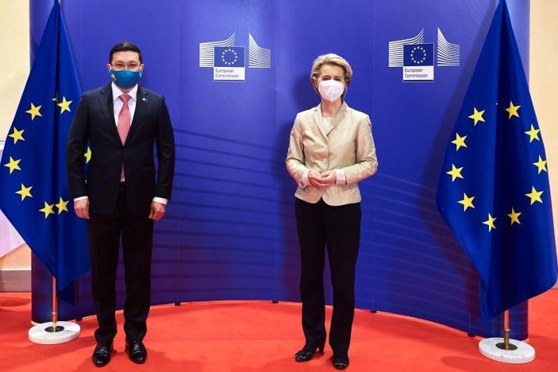 Kazakh Ambassador presents credentials to President of European Commission