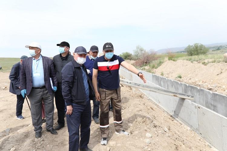 Бердибек Сапарбаев раскритиковал ход реконструкции водохозяйственных объектов