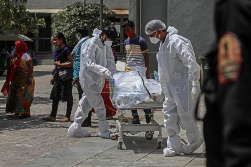 India reports new daily record of Covid-19 deaths