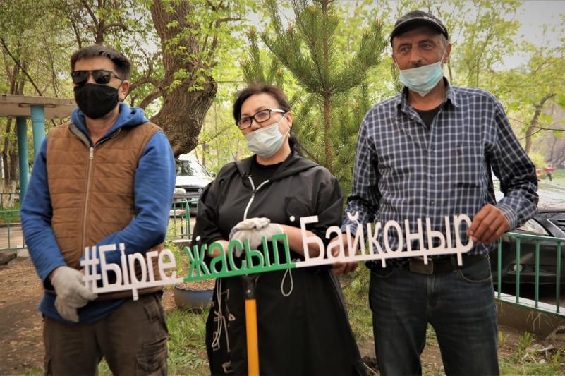 Жители столицы запустили челлендж «Посади свое дерево»