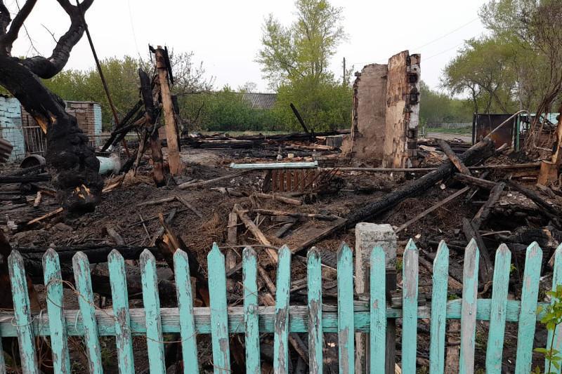 Нетрезвый мужчина поджег дом своей знакомой в СКО