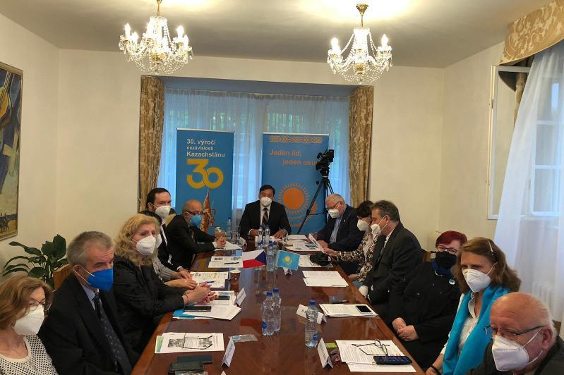 Круглый стол о достижениях Ассамблеи народа Казахстана прошел в Праге