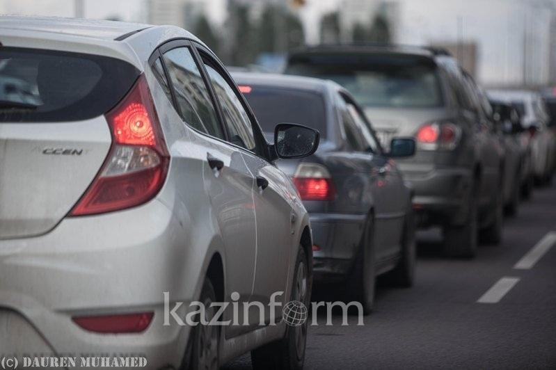 Qazaqstanda  3,8 mln jeńil kólik tirkelgen