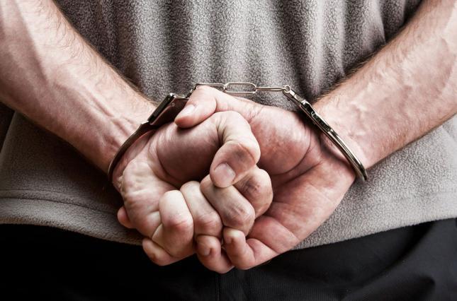 Избившего свою мать мужчину арестовали в Атырау