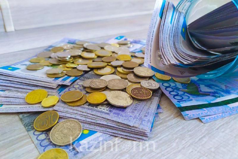 Более 894 млрд тенге выплатили пенсионерам с начала года