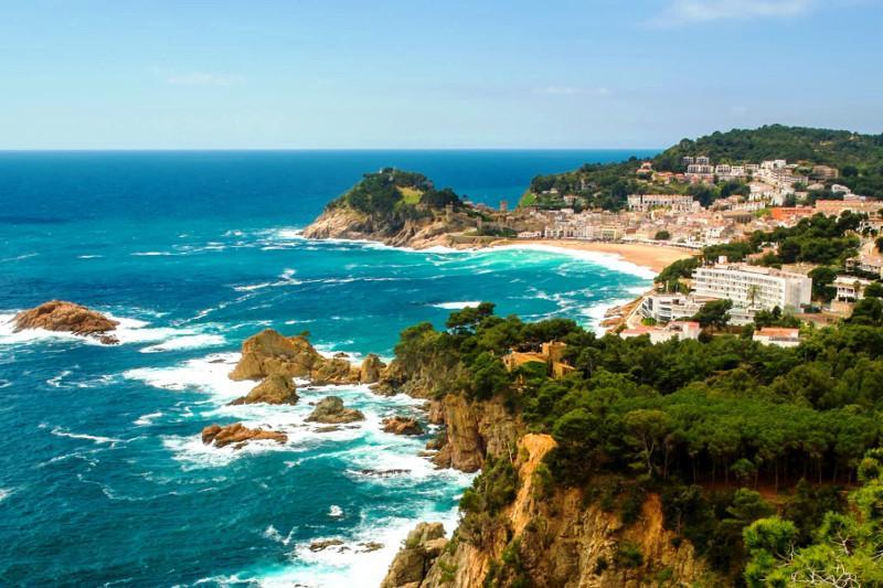 Когда казахстанцы смогут посетить испанские курорты