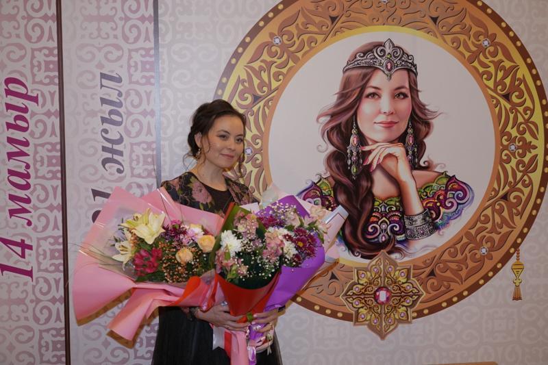 Книгу о счастье казахских женщин презентовали в Нур-Султане
