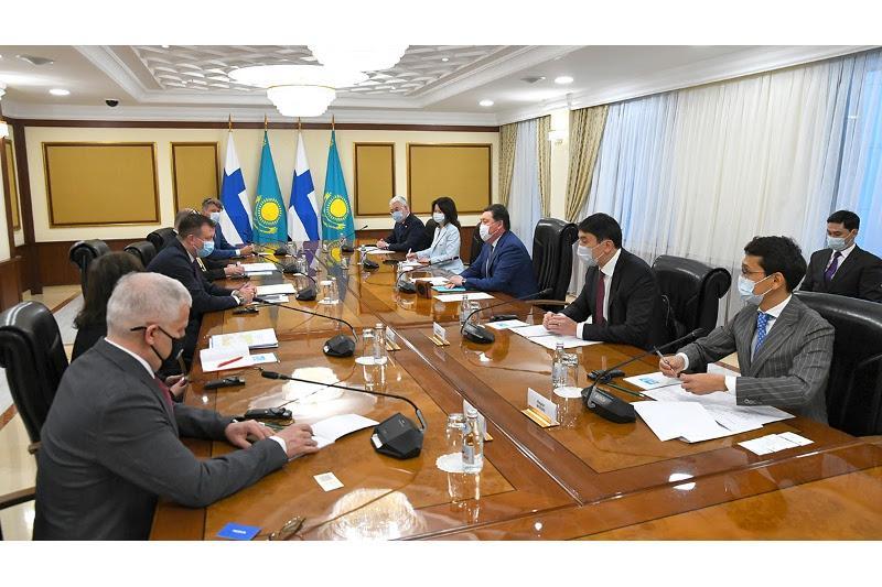 Аскар Мамин встретился с министром внешней торговли Финляндии