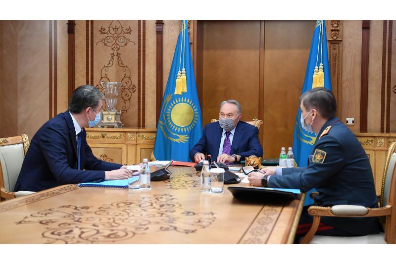 Elbasy Nursultan Nazarbayev receives Asset Issekeshev and Nurlan Yermekbayev
