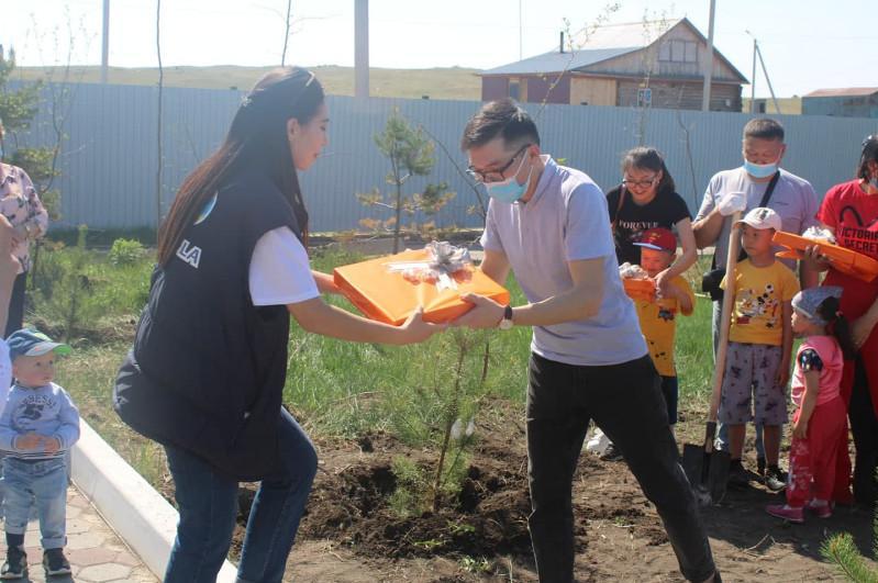 Акмолинцы провелиакцию«Посади семейное дерево» в честь Международного дня семьи