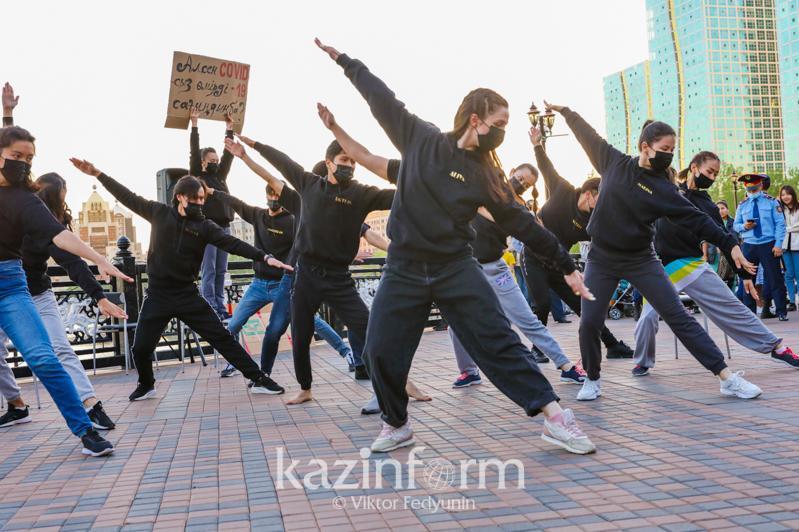 Театральную постановку под открытым небом о вакцинации представили в столице