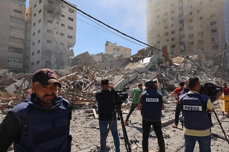 ВВС Израиля уничтожили в Газе здание с офисами Associated Press и Al Jazeera