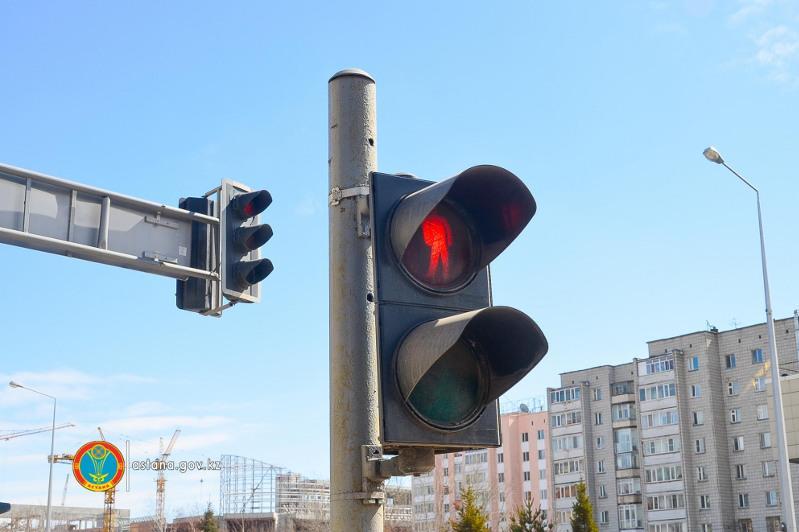 Необычный светофор для пешеходов запустили в столице