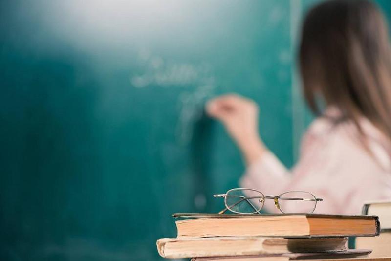 Астанадағы үш мектептің директорына педагог әдебін сақтамағаны үшін ескерту берілген