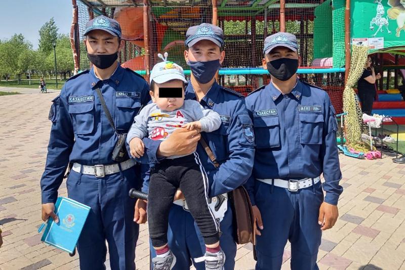 Гвардейский патруль нашел двухлетнего ребенка в Нур-Султане