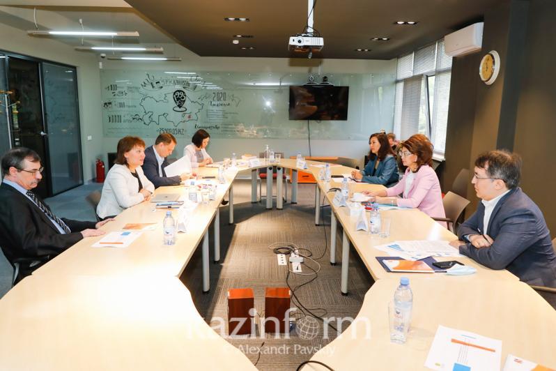 Aida Balayeva meets with NGO representatives in Almaty