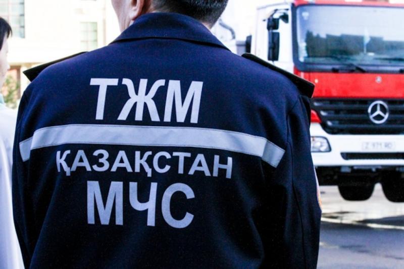 Спасатели помогли мужчине с травмой руки в горах города Алматы