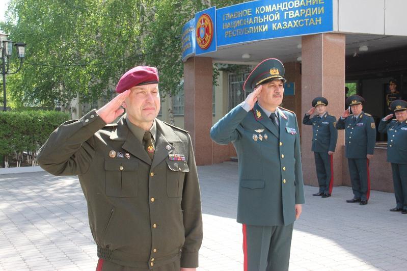 白俄罗斯军事代表团访问哈萨克斯坦