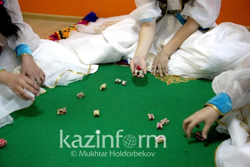 Тогызкумалак и асык ату появятся в школьной программе в Казахстане