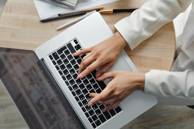 Курсы цифровой грамотности проводят для людей с ограниченными возможностями в столице