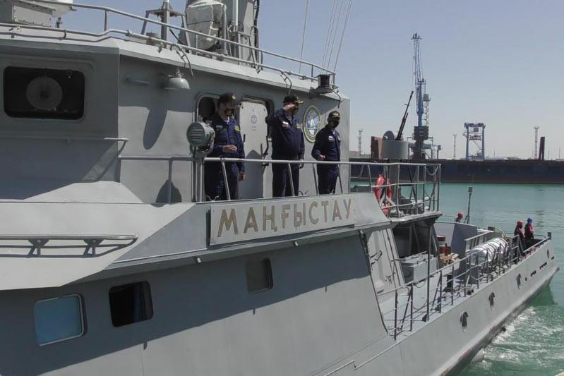Совместное учение военных моряков Казахстана и России проходит на Каспии