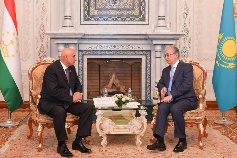 Касым-Жомарт Токаев провел встречу с Председателем Маджлиси намояндагон Маджлиси Оли Таджикистана Махмадтоиром Зокирзодой