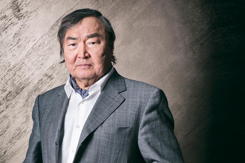 Крымбек Кушербаев принял участие в чествовании Олжаса Сулейменова по случаю его 85-летия