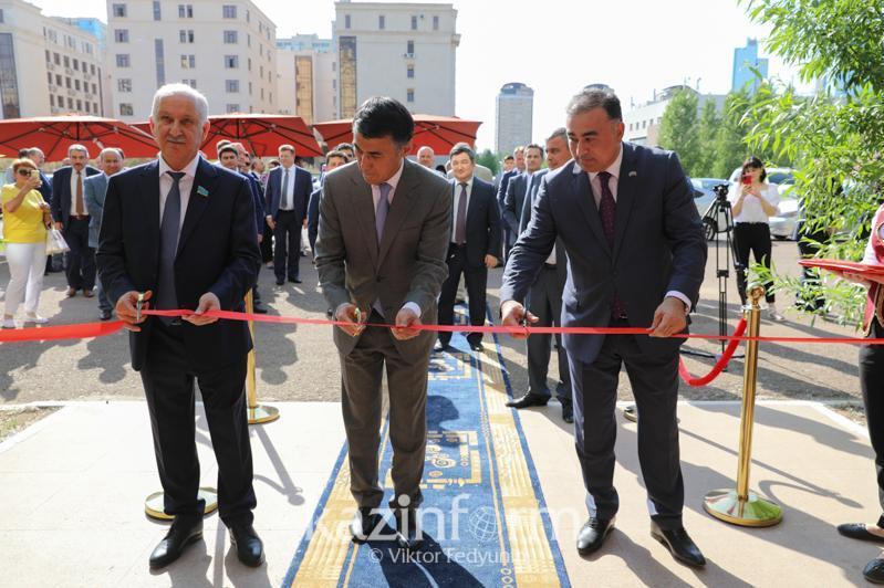 阿塞拜疆贸易之家在首都努尔苏丹开业