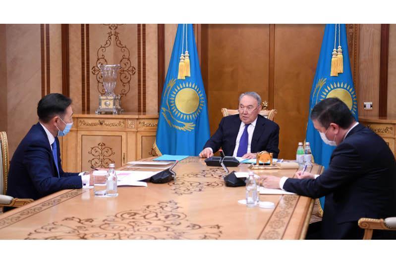 首任总统会见亚信会议秘书处执行主任