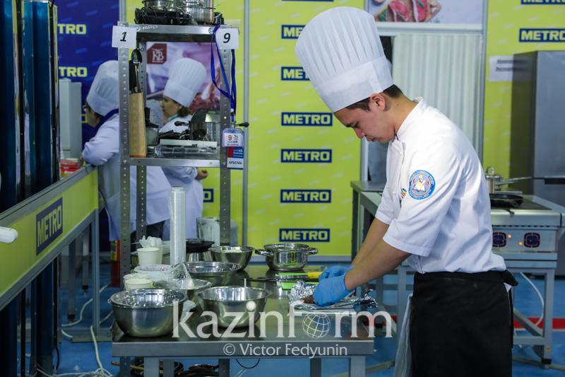 Более 130 тысяч безработных в Казахстане удалось трудоустроить после спецобучения