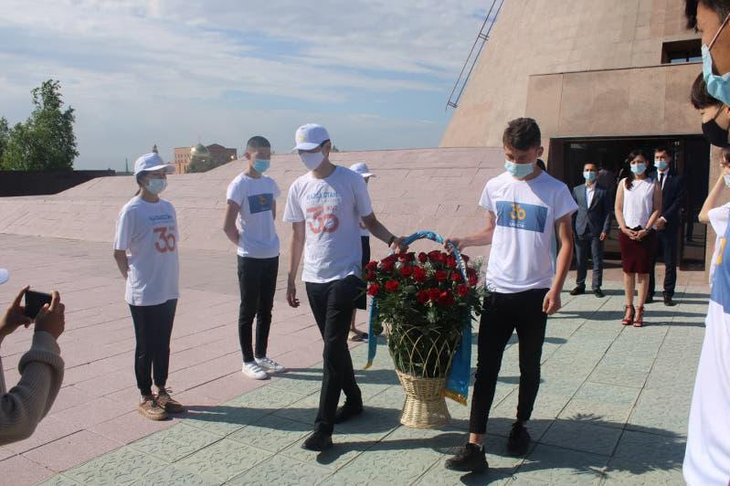 Память узниц «АЛЖИРа» почтили акмолинские волонтеры